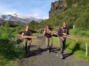 Moving materials up to worksites on Valahnúkur (Amy Benaim)
